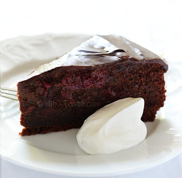 Eggless Chocolate Cake Images : Eggless Chocolate Cake dieT Taste