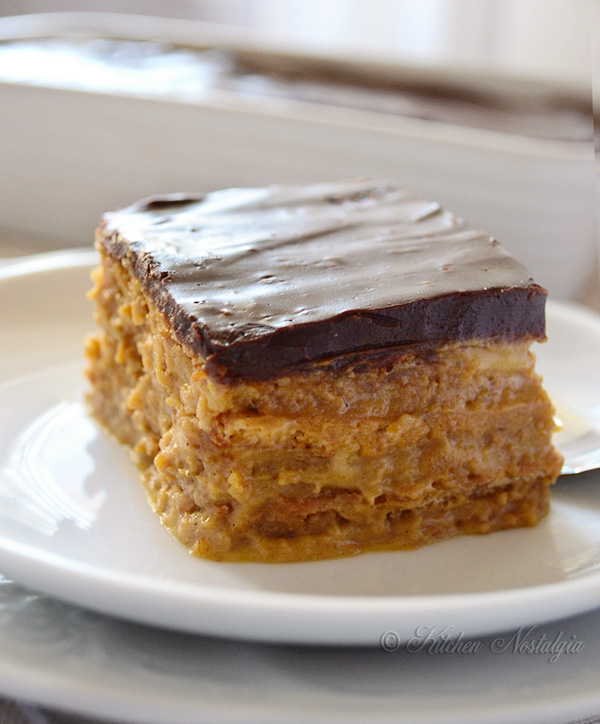 Pumpkin Eclair Cake with Chocolate Ganache Frosting - no bake; recipe from kitchennostalgia.com