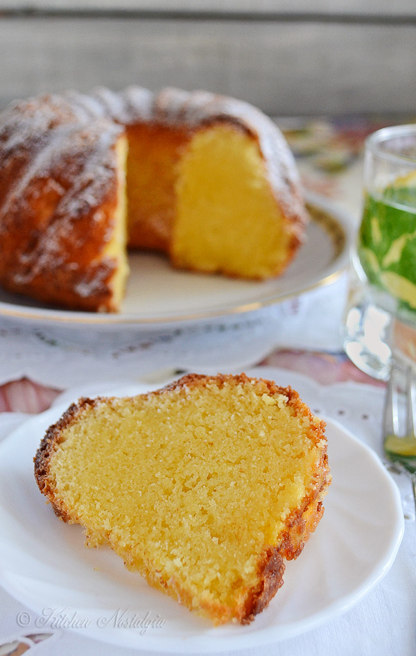 Old Fashioned Southern Pound Cake - kitchennostalgia.com