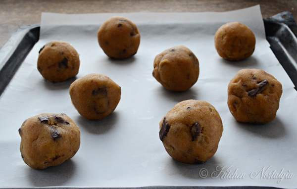 cookies shaped into balls