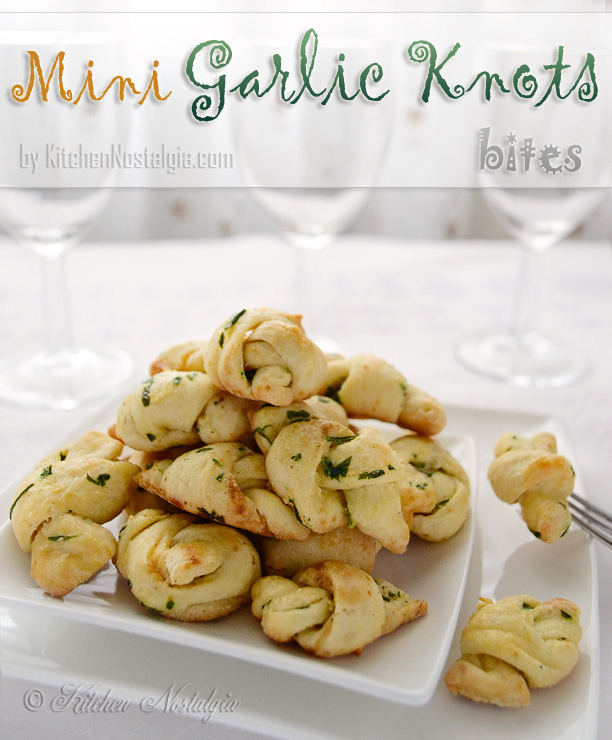 Mini Garlic Knots - recipe from kitchennostalgia.com