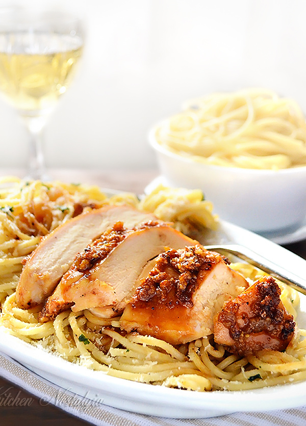 Garlic Butter Spaghetti and Chicken - kitchennostalgia.com
