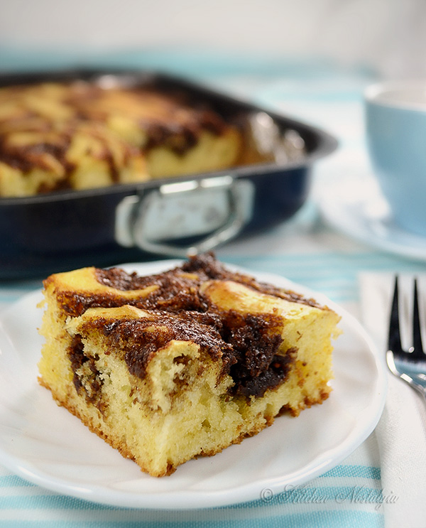 Cinnamon Roll Breakfast Cake - kitchennostalgia.com
