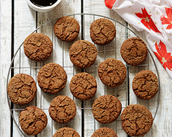soft-and-chewy-molasses-cookies1