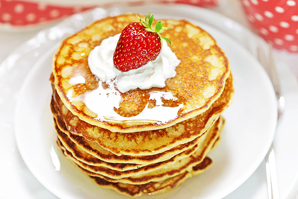 Almond Flour Pancakes - good low-carb, gluten-free breakfast alternative to regular pancakes