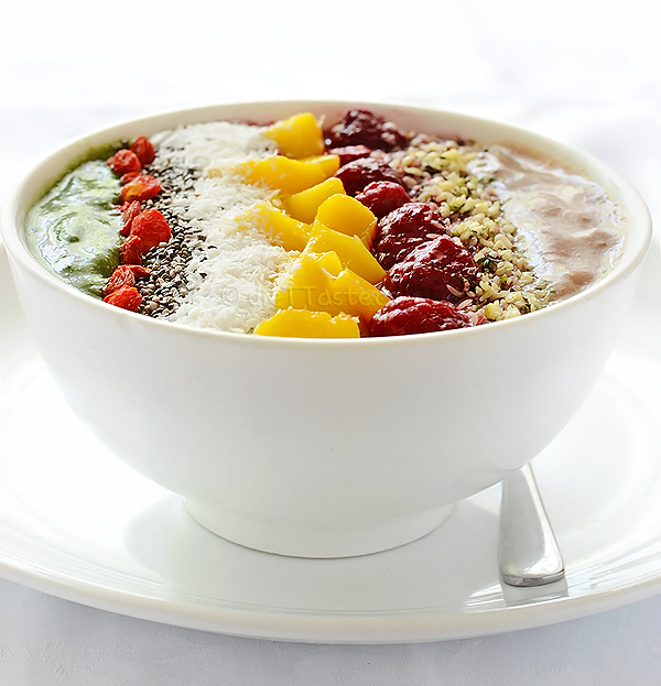 Superfood Smoothie Bowl - diettaste.com