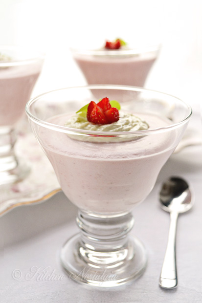 Strawberry Mousse Recipe - easy, low-carb, sugar-free, diabetic friendly; luscious, fluffy, light and creamy, it is one of the easiest desserts to make