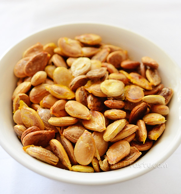 Roasted Pumpkin Seeds - from diettaste.com
