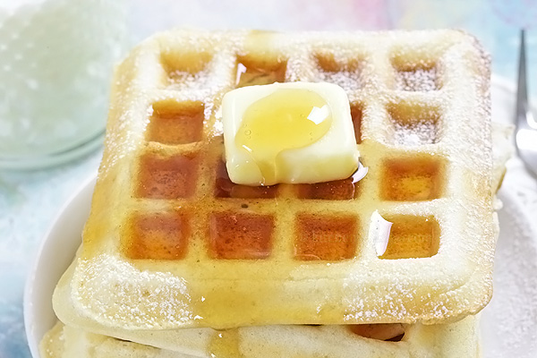 Bisquick Waffles - the crispiest waffles you can have any time you wish when using ready-made mixture, store-bought or DIY