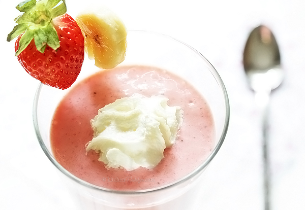 Strawberry Banana Greek Yogurt Smoothie - exceptionally creamy smoothie with subtle vanilla flavor