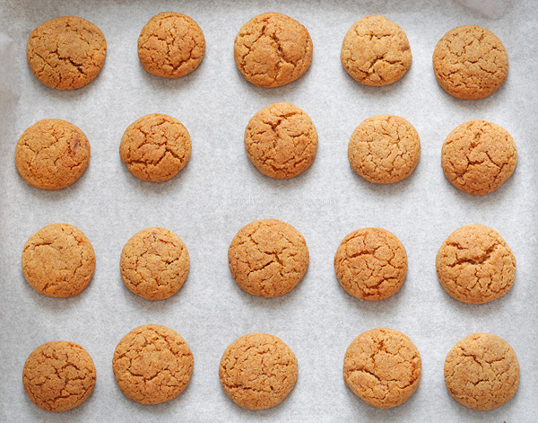 Soft Honey Cookies - a kind of chewy honey gingerbread spice cookies that are soft enough to be eaten immediately after baking - no waiting time for them to soften!