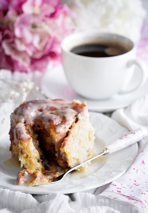 Sweet Potato Cinnamon Rolls with maple cream cheesefrosting – perfect breakfast for a lazy Sunday morning