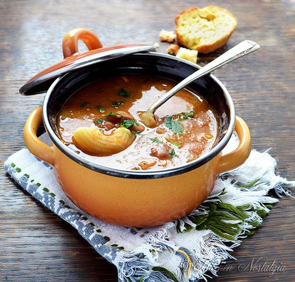 Pasta e Fagioli (Pasta and Beans) - kitchennostalgia.com