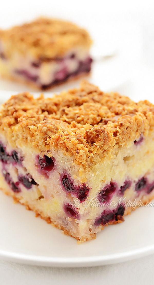 Blueberry Crumb Cake - kitchennostalgia.com