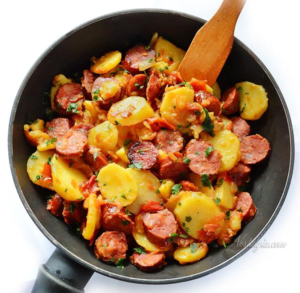 Kielbasa and Potatoes Skillet Dinner