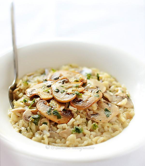 Mushroom Risotto - simple and creamy, Italian-style autumn dish - kitchennostalgia.com