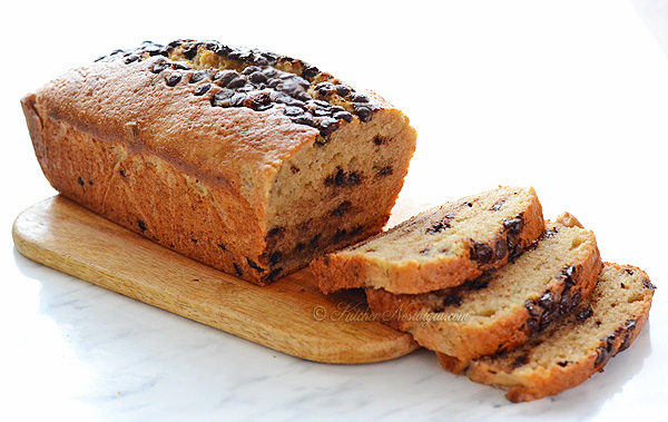 Chocolate Chip Banana Bread - kitchennostalgia.com