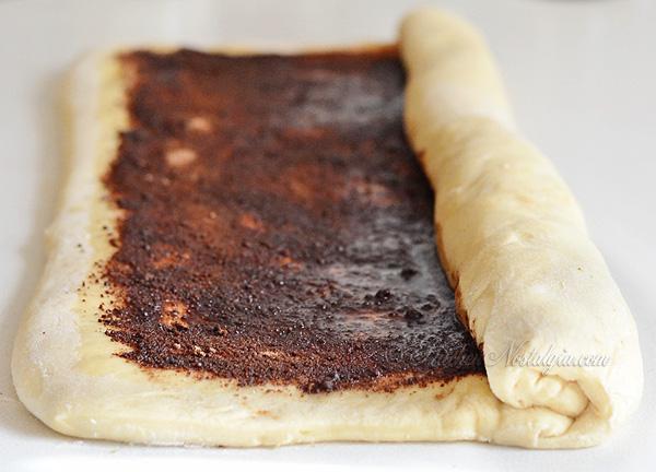 Crazy Dough Cinnamon Rolls - kitchennostalgia.com