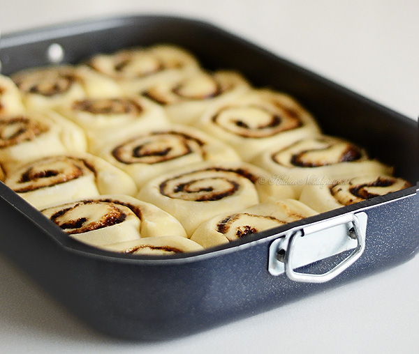 Crazy Dough Cinnamon Rolls - kitchennostalgia.com