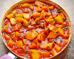 Potatoes in Tomato Sauce