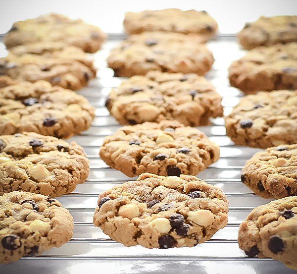 I Want to Marry You Cookies are surefire way to get someone to fall in love with you; white and dark chocolate chips, brown sugar, almost toffee flavor; just one bowl, no creaming of butter and sugar needed!