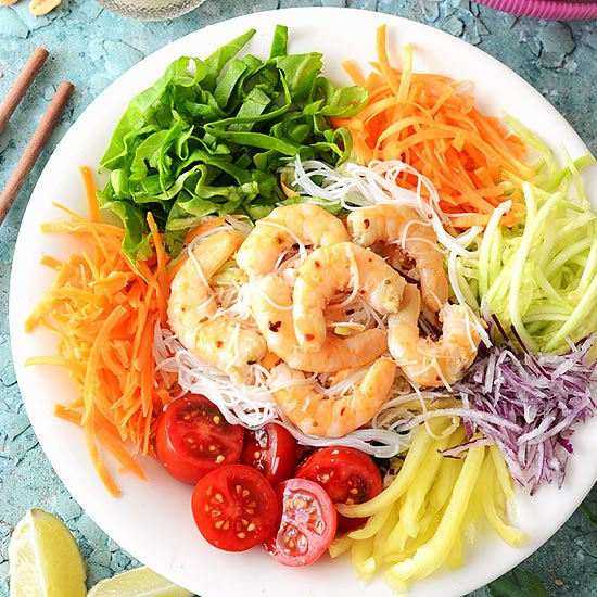 thai vermicelli noodle salad with prawns
